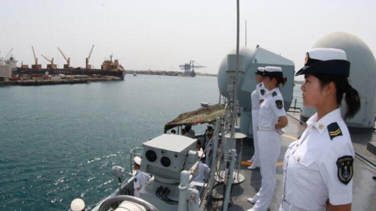 Çinli askerler yurtdışı görevi için yola çıktı