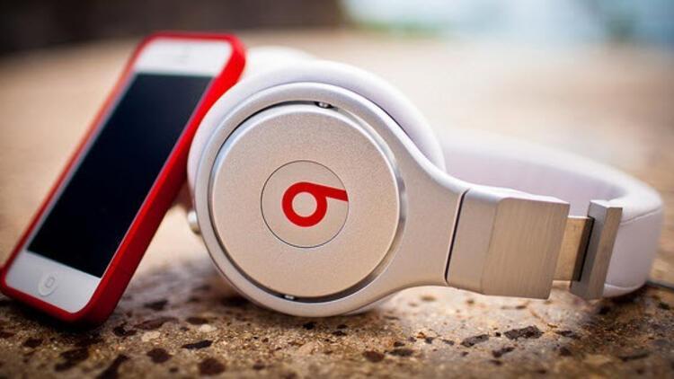 Apple bedava Beats kulaklık dağıtıyor!