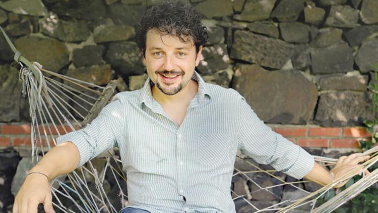 Serhan Arslan:30. sanat yılımı  kutlamama  3 yıl kaldı