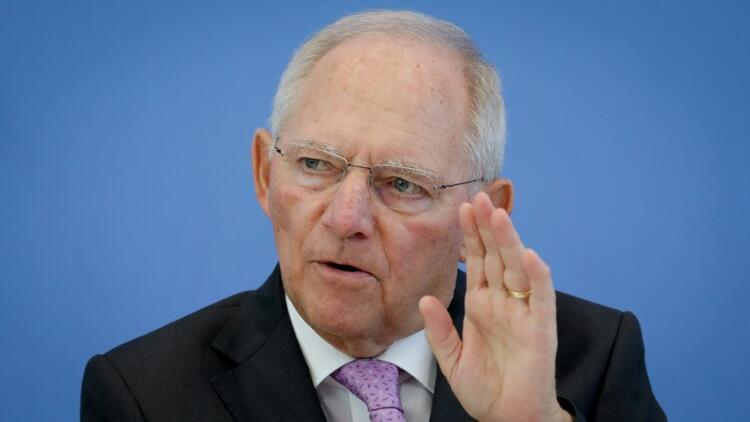 Alman bakandan çirkin benzetme