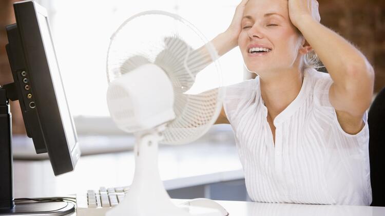 Sıcaklarda ofiste kapalı olmakla başa çıkabilmenin 5 yolu