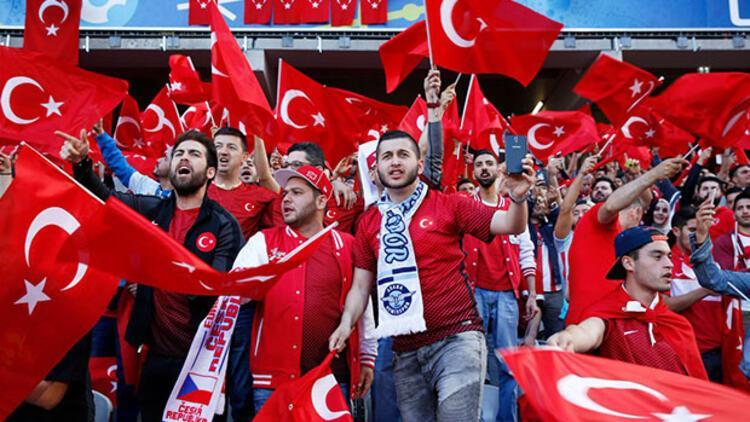 Ukrayna'da Türkiye maçı için güvenlik alarmı verildi
