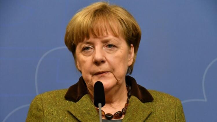Merkel'den yeni gerilim alanı: Doğan Akhanlı