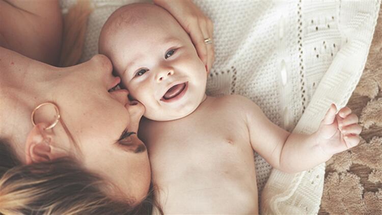 Bebeğinizi sağlıklı büyütmenin tüyoları
