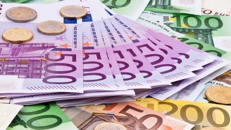 Euro'nun gözü Draghi'de