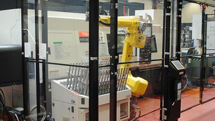 "Konya'da ""CNC operatörü robot"" üretildi"