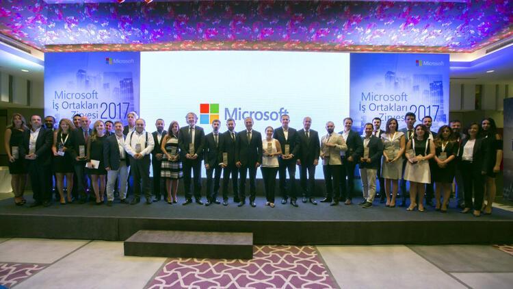 Microsoft Türkiye İş Ortakları Zirvesi'nde başarılı iş ortakları ödüllendirildi
