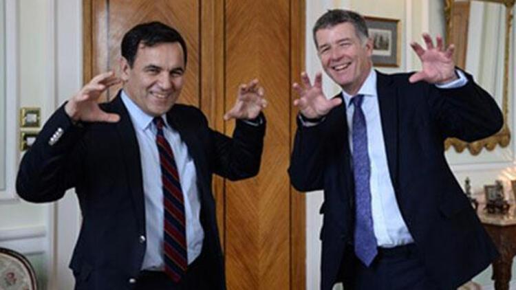 İngiliz büyükelçi Richard Moore, Beşiktaş kongre üyesi oldu