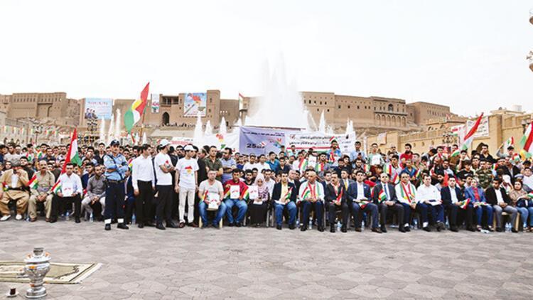 Bağdat'ta pazarlık Erbil'de kutlama