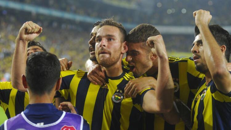 Fenerbahçe'den yeni transferler için imza töreni