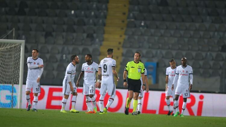Beşiktaş 3 maçta kaybedilen 8 puanı sorguluyor