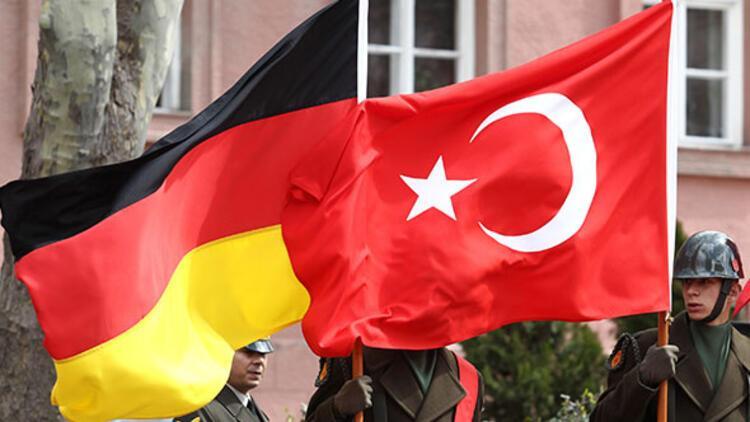 Almanya'ya iltica eden Türklerin kabullerinde artış