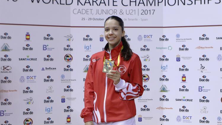 Asena Pekmezoğlu dünya 3'üncüsü