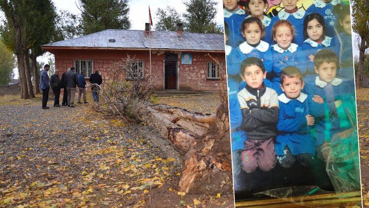 İstiklal Marşı söylerken devrilen ağacın altında kalan Eren'in okulunda yas