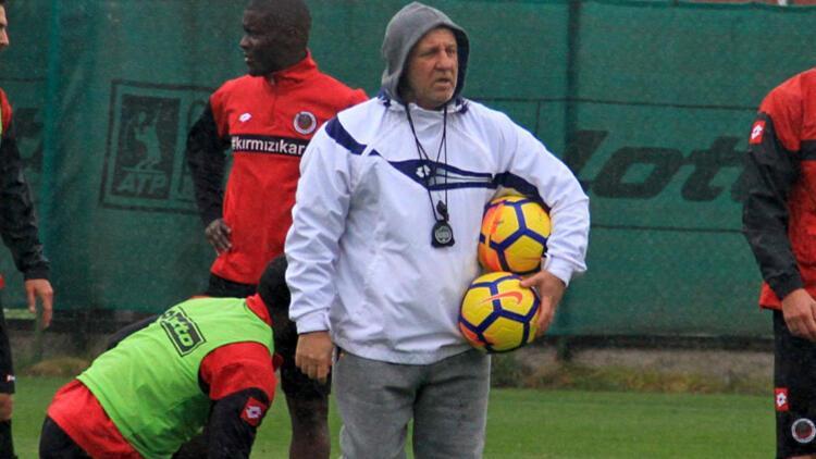 Mesut Bakkal: Daha yürekli oynamalıyız