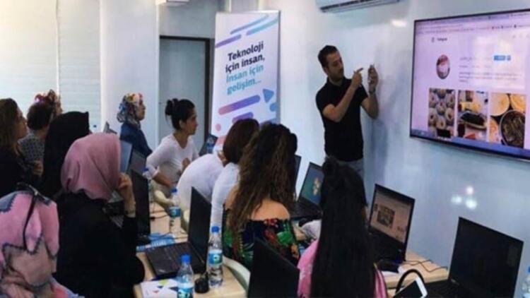 Türk Telekom'dan kadınlara teknoloji eğitimi
