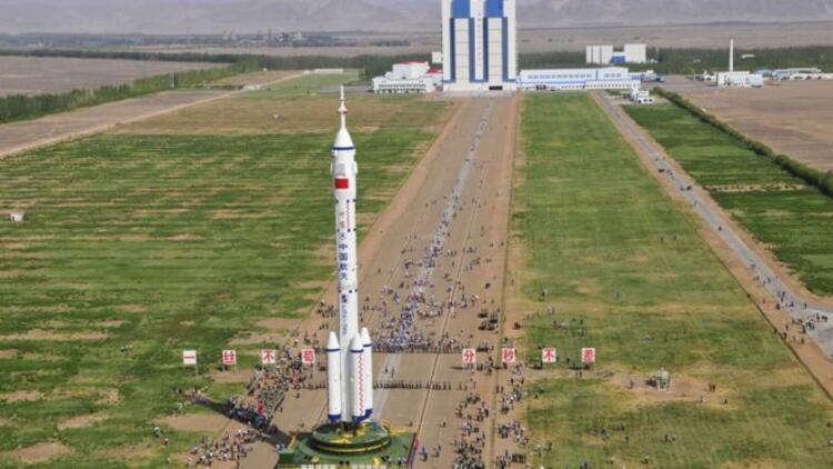Çin'in 8,5 ton ağırlığındaki uzay mekiğinin parçaları 'Türkiye'ye düşebilir'