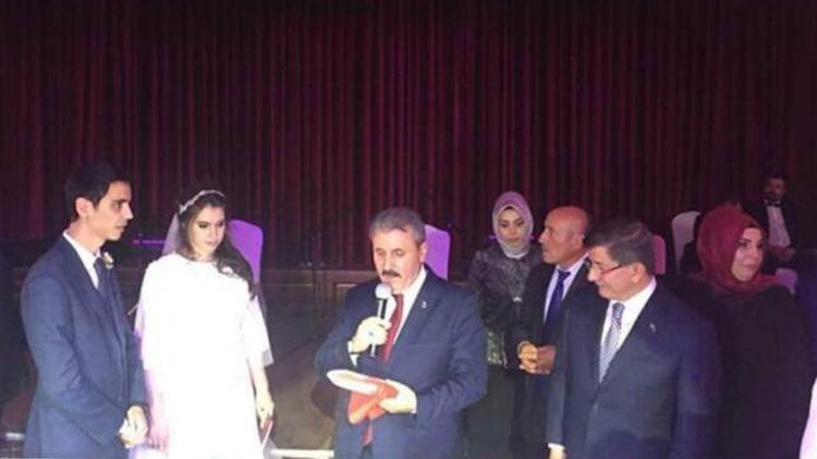 Yazıcıoğlu'nun oğlu evlendi... Davutoğlu ve Destici nikah şahidi old