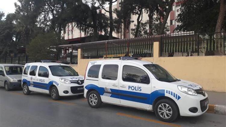 İzmir'de sokak ortasında silahlı saldırı!