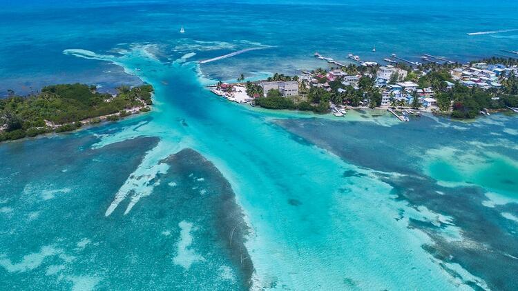 Karayip Denizi'nde tasasız bir ada: Caye Caulker