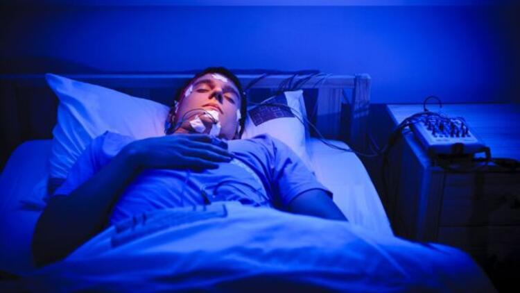 Seksomnia: Uyuyan adam, eski kız arkadaşına tecavüz etti
