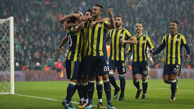 Fenerbahçe için flaş yorum! Sağlam oynuyor, böyle giderse...