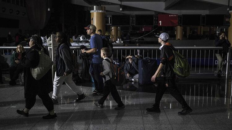 Atlanta Havalimanı'nda elektrikler kesildi: Binlerce yolcu mahsur