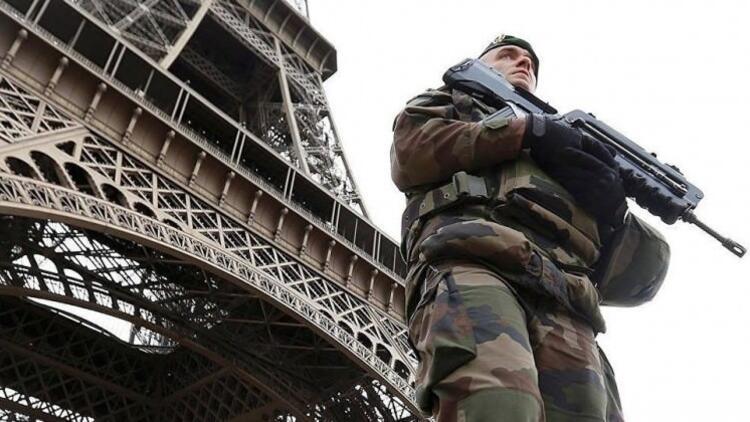 Fransa alarmda! 100 bin güvenlik görevlisi şehirlere indi