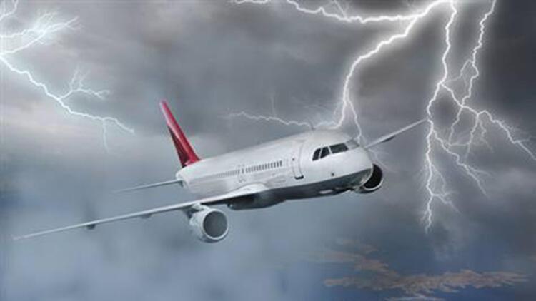 Avrupa kasırgayla sarsılıyor! THY uçakları havadan döndü