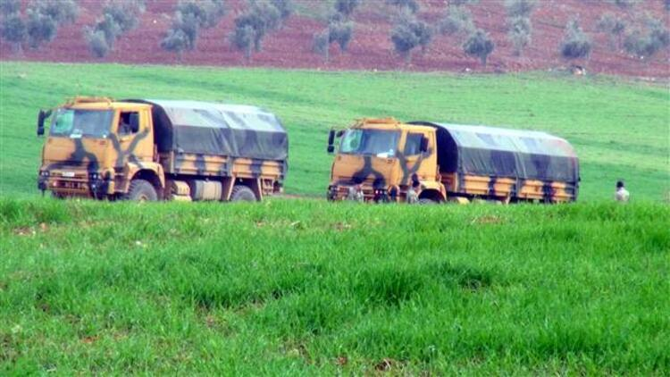Mevzi kazılıyor, obüslerin yönü Afrin'e çevrildi...