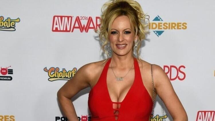ABD'yi sallayan porno yıldızı... Canlı yayında açıkladı