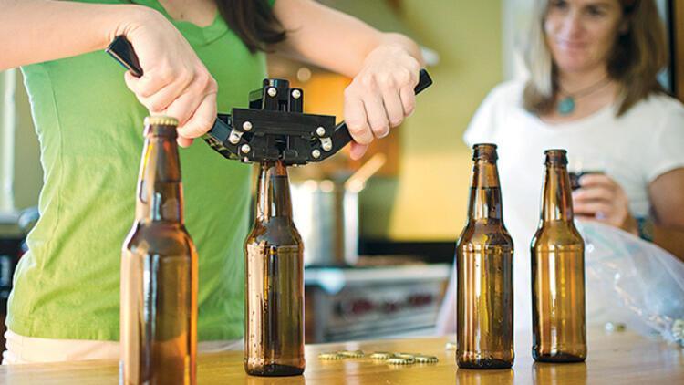 Geçtiğimiz yıl bira satışlarının düştüğünü dile getiren Tuncay Özilhan: Evde bira bizi vurdu