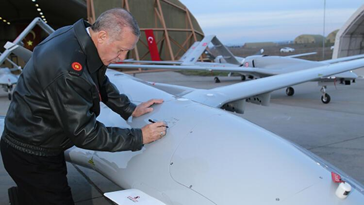 Cumhurbaşkanı Erdoğan, imzasını böyle attı