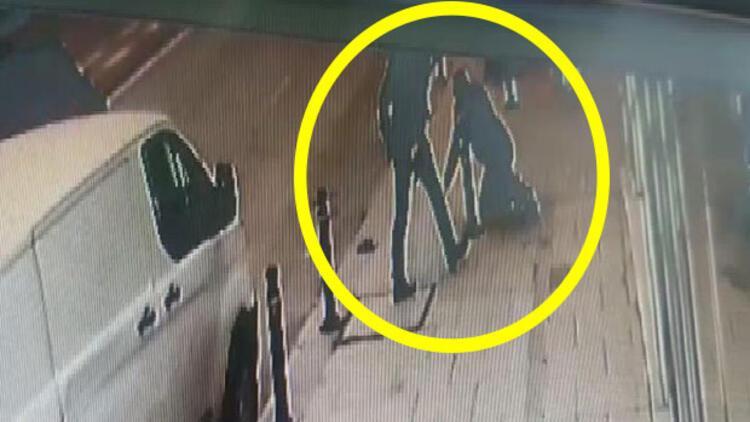 İstanbul'da dehşet anları! Sokak ortasında silah patladı