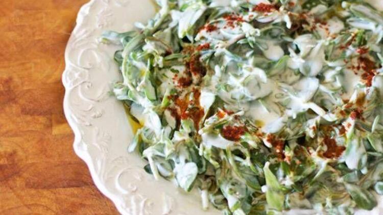 Sarımsaklı semizotu salatası tarifi