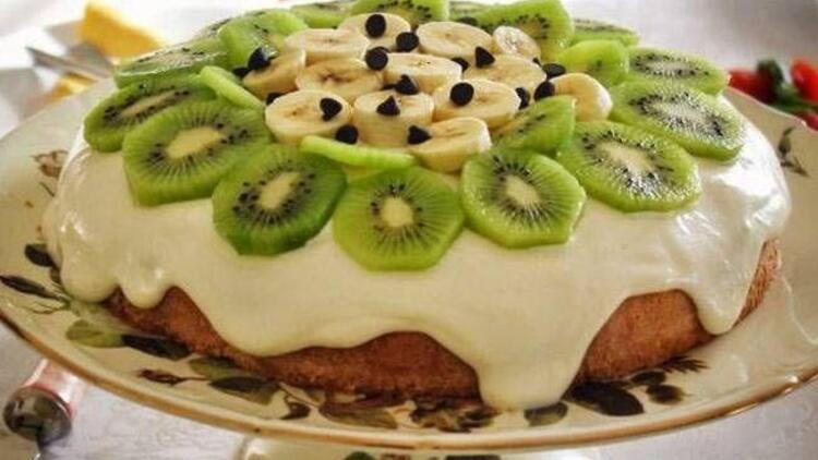 Meyveli ve kremalı kek tarifi