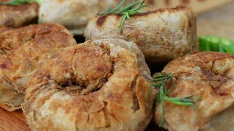 Tavada mercimekli ve haşhaşlı gül böreği tarifi