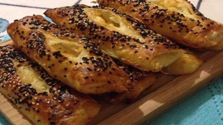 Lor peynirli yufka böreği