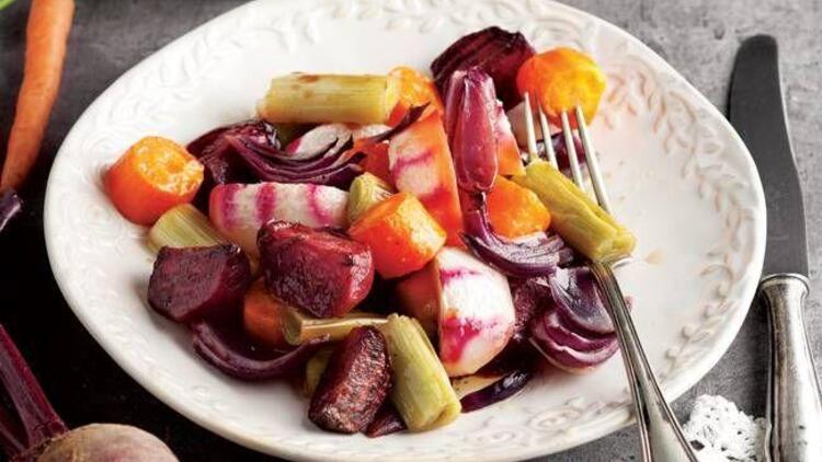Ilık kök sebze salatası tarifi