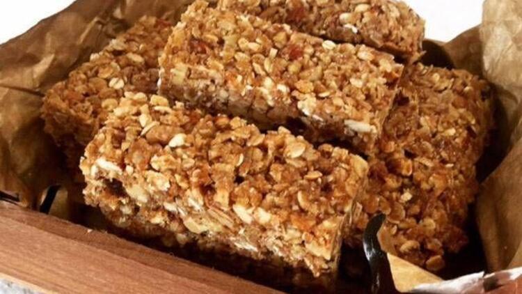 Bademli granola bar tarifi