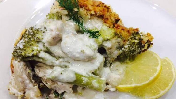 Peynir soslu tavuklu brokoli