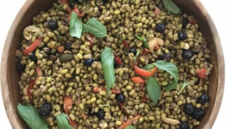 Yaban mersinli vegan maş fasülyesi tarifi