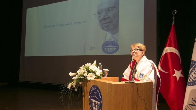 Kadir Has Üstün Başarı Ödülü Prof. Dr. Şevket Pamuk'un oldu... Üniversitede rektör değişimi yaşandı