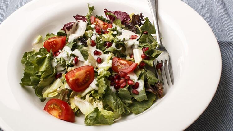 Yoğurtlu diyet salata tarifi