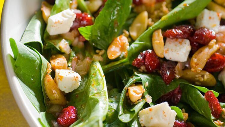 Bebek ıspanaklı karabuğday salatası tarifi