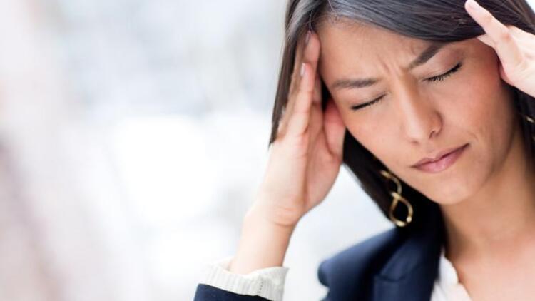 Baş ağrısına neler iyi gelir? Baş ağrısı nasıl geçer?