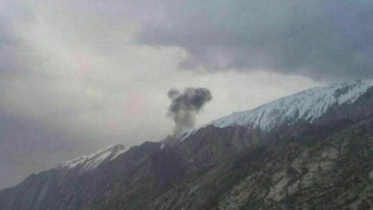 Kolombiya'da askeri uçak düştü: 2 ölü