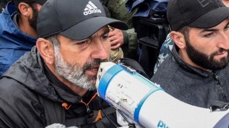 Ermenistanda muhalif lider Nikol Paşinyan gözaltına alındı