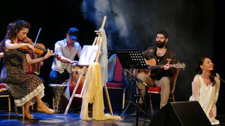 Türkçe Tiyatro Festivali yoğun ilgi gördü