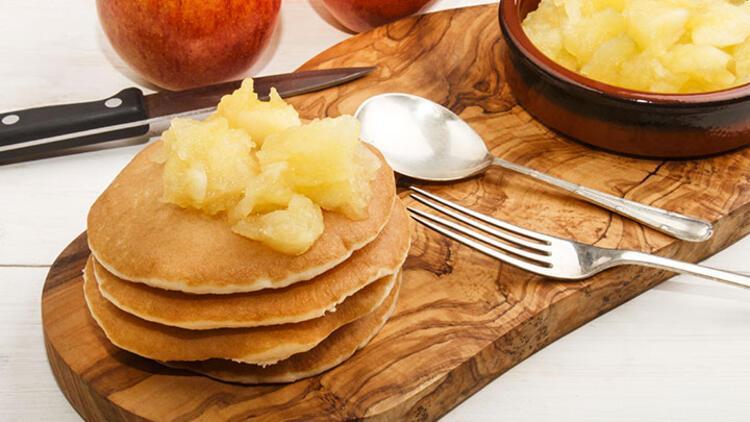 Karamelize elmalı pancake tarifi